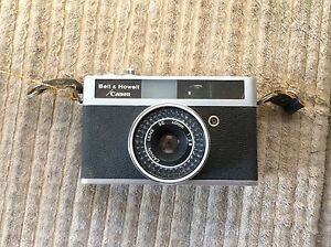 Bell and Howell Canon Canonet 28 camera