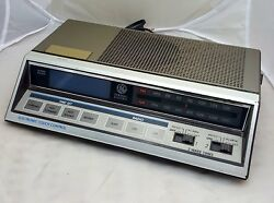 Vintage General Electric GE 7-4663A Electronic Touch Alarm Clock Radio, Works