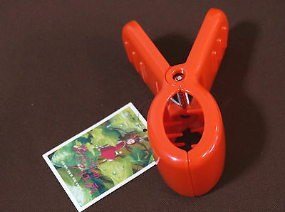Channel Arrietty while wearing this clever replica hair clip