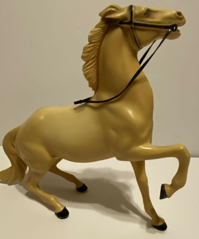 VINTAGE HARTLAND SEMI REARING HORSE