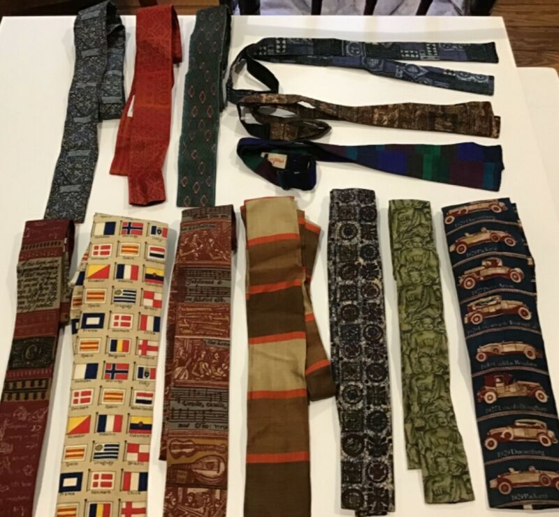 Lot of 10 vintage Rooster ties, 3 bow ties novelty print fabric fun 1950s 1960s