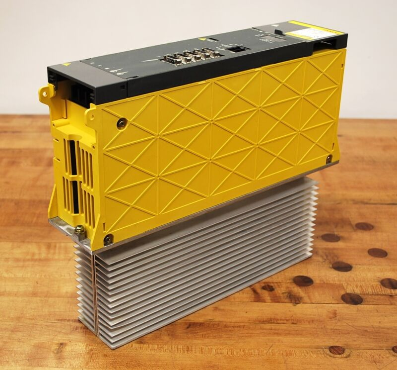 Fanuc A06b-6082-h211#h512 Spindle Amplifier, Right Half Of Display Doesn