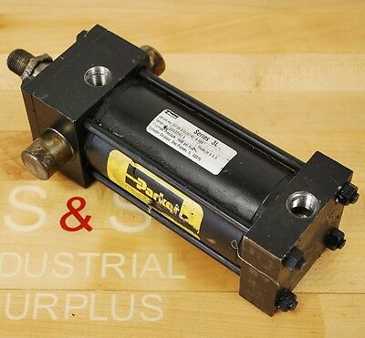 Parker 02.50 D3lcu14c 4.000 Hydraulic Cylinder. Bore 2.5 Stroke 4 - Used