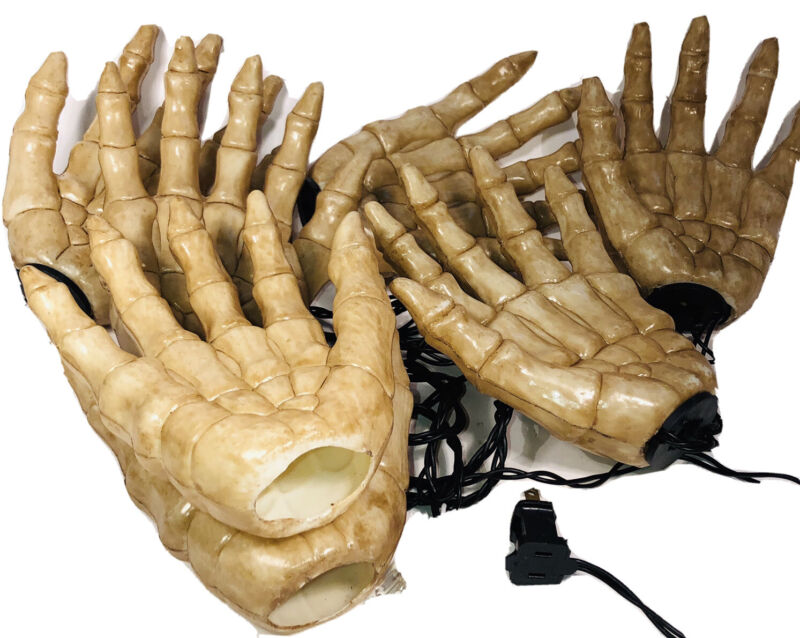 """Halloween String Lights Plastic Skeleton Hands """"As Is"""" Works Not Complete Preown"""