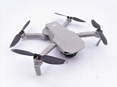 DJI Mavic Mini Combo (EU) – Drohne und Zubehör Kit, leicht und tragbar