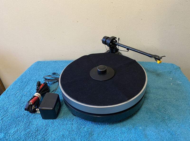 Pro-Ject RM 5.1 Turntable