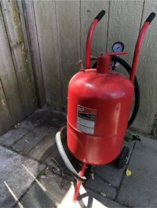 20 GALLON BIG RED PORTABLE SANDBLASTER $300 or best offer