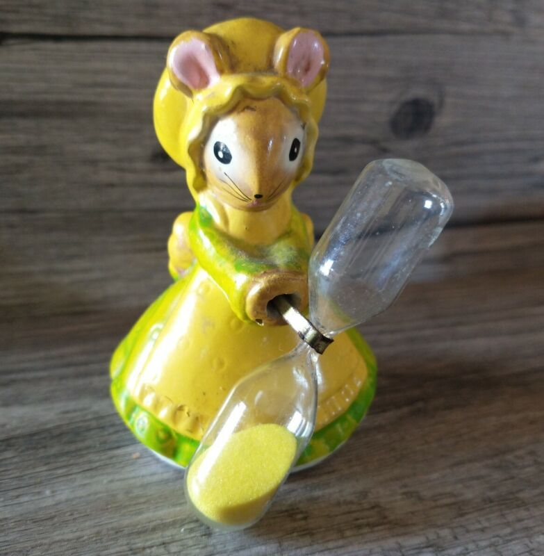 Darling Vintage Kitchen Egg Timer Green & Yellow Miss Mouse