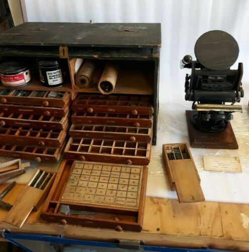 Antique Type Set Letter Press Machine & Full Chest Of Type Sets Colding Mfg  (y)