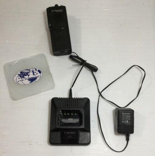 MOTOROLA RADIUS GP 300 HTN9702A 2580955Z02 2 WAY RADIO W/ CHARGER & POWER SUPPLY
