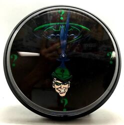 DC Comics The Batman & Riddler Time Wall Clock 1.5 V Battery Operated
