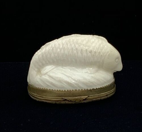 French Early Fish Form Snuff Box Mennecy or St. Cloud 18th Century