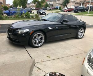 AMAZING LIKE NEW -BMW Z4 HARD-TOP CONVERTIBLE. 255HP RWD