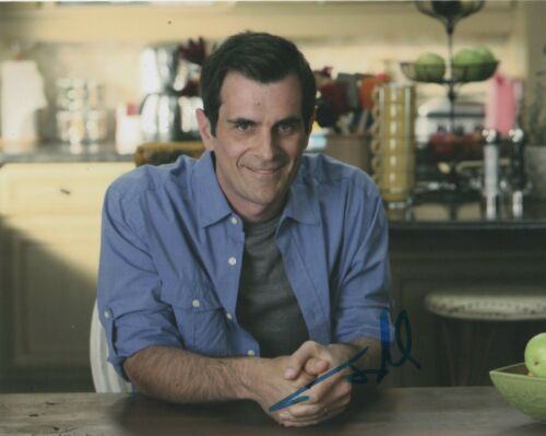 Ty Burrell Modern Family Autographed Signed 8x10 Photo COA MR028