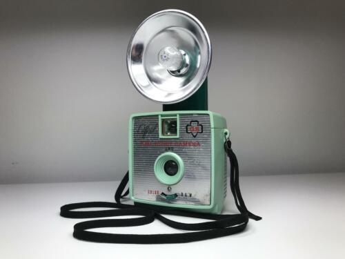 Girl Scout Camera -Green Imperial Satellite 127 Flash Girl Scout Camera