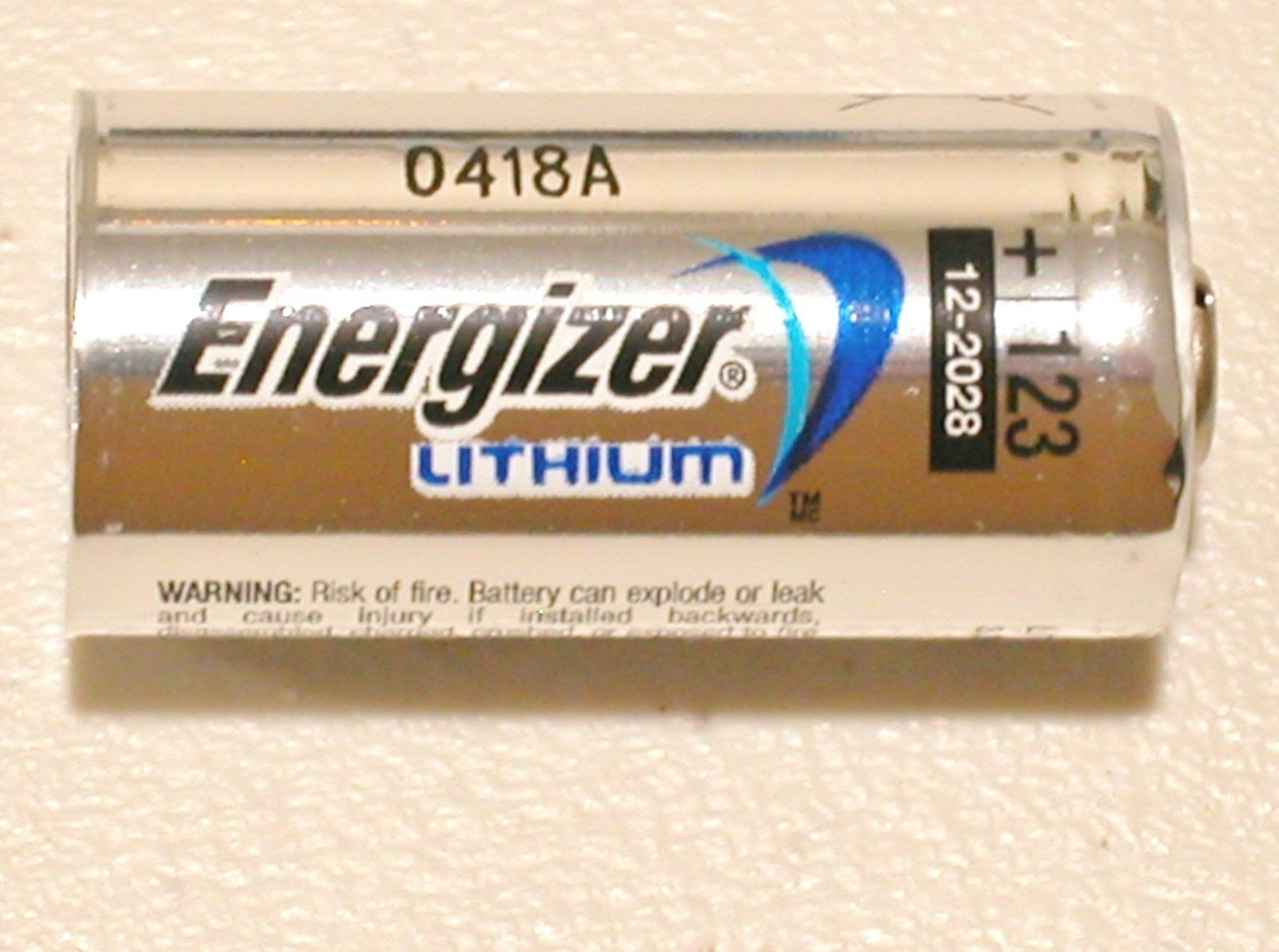 2 NEW ENERGIZER CR123 123 DL123 LITHIUM BATTERY CR123A
