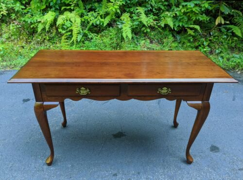 Vintage North Carolina Mahogany Wood Queen Anne Writing Desk w/Two Front Drawers