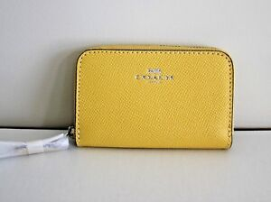 NWT COACH Crossgrain Leather Daisy Yellow 27569 Zip Around Coin Case/Mini Wallet