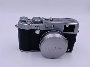 Fuji X100-T Rarely Used- 700 Shutter Count