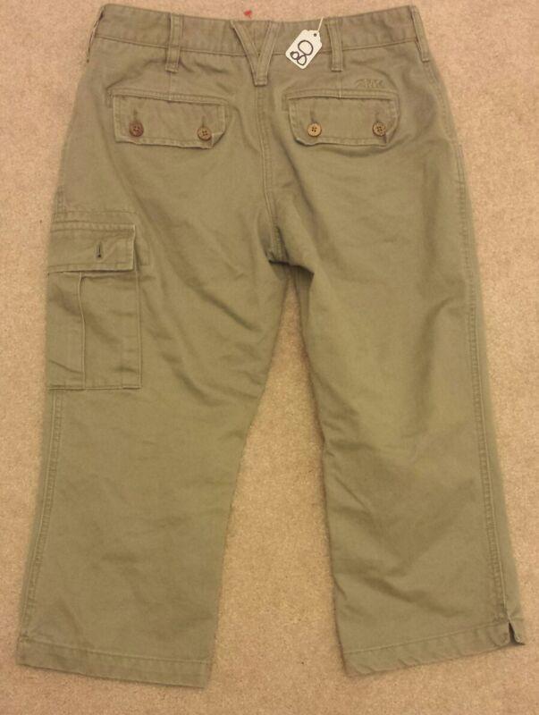 MOUNTAIN KHAKIS  size 4 OLIVE GREEN CARGO CAPRIS w/ flap pockets