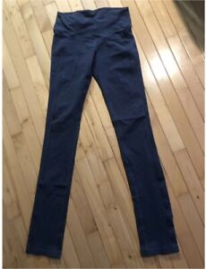 ccbb38a6f Lululemon Tights   Yoga Pants - Size 6 - Excellent Condition