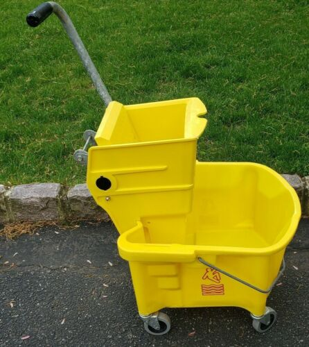 Large Tandem Mop Bucket 31qt Commercial Janitor Rolling Heavy Duty Plastic Used
