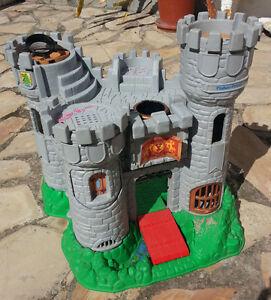 Castillo-Fisher-Price-castle