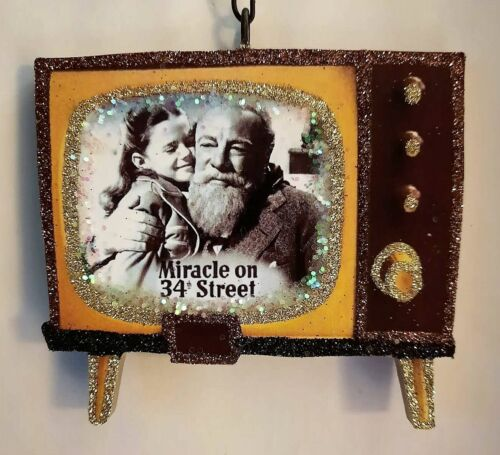 RETRO TELEVISION - MIRACLE on 34th STREET * Glitter CHRISTMAS ORNAMENT * Vtg Img