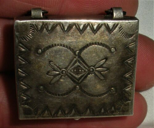 ANTIQUE c. 1920-30 NAVAJO INGOT COIN SILVER BOX w/ GREAT EARLY STAMPWORK vafo