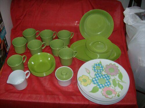 TexasWare Green Flowers Melamine Dinnerware Set/8 Place Settings Dishes 45 Pcs