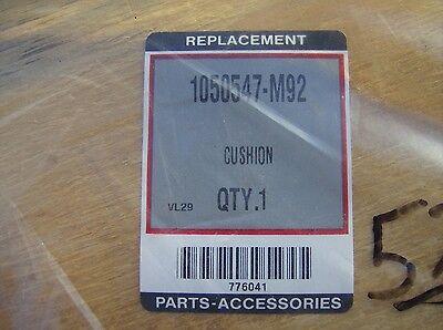 1050547m92 Seat Cushion Wood Backed Vinyl Massey Ferguson New 135 150 235 255