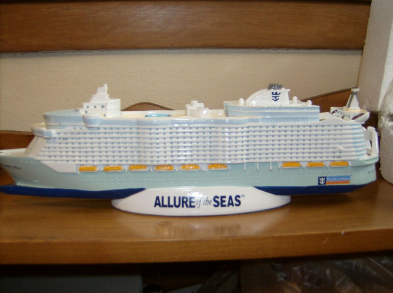 ROYAL CARIBBEAN - ALLURE OF THE SEAS NASSAU CRUISE SHIP MODEL - New in the box