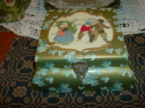 Antique Dresser Collar Box with Victorian Design