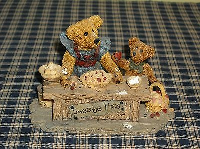 1994 Boyds Bears Bearstone Collection Sweetie Pies