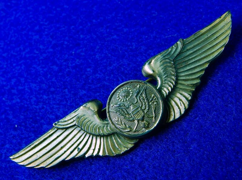 US WW2 Angus & Coote Australia Sydney Made Air Crew Silver Wings Pin Badge Medal