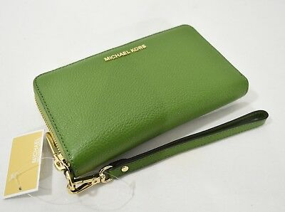NWT Michael Kors Mercer Large Leather Smartphone Wristlet /Wallet in True Green