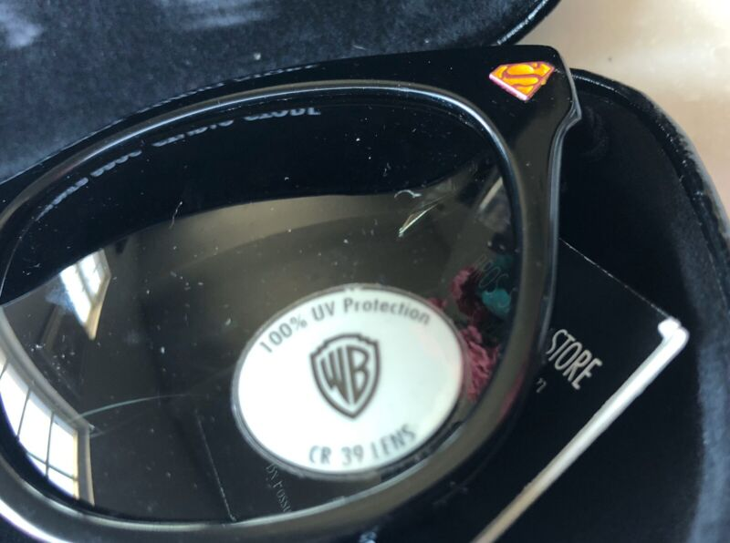 Warner Bros. Studio Stores Gallery Superman Sunglasses RARE Made By Fossil