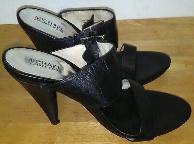 Michael Kors Leather Upper Rubber Sole heels Sandals. Size 10M - Michael Kors Rubber Sole Sandals