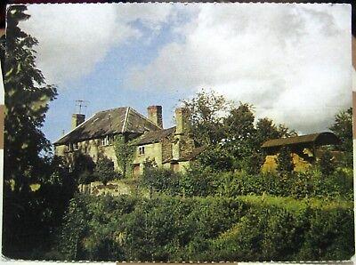 18th Century Farmhouse (England Easthampton 18th Century Farmhouse - unposted )