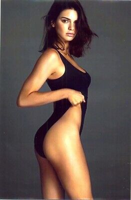 KENDALL JENNER - IN A BLACK ONE PIECE !!!!