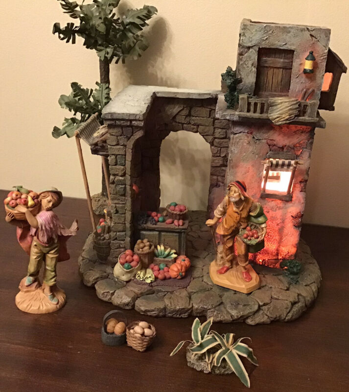 """Fontanini Heirloom ~ CITY WALLS Lighted 2 Story Building ~For 5/"""" Nativity #55504"""