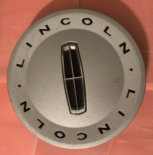 03-05 LINCOLN TOWN CAR CENTER CAP, OEM SILVER 5W13-1A096-AB AA