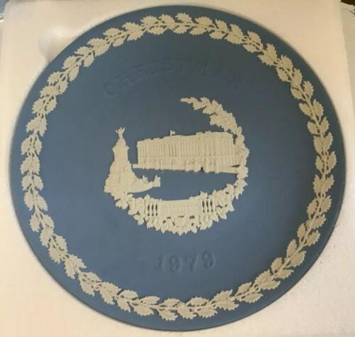 Wedgewood 1979 Christmas Holiday Buckingham Palace 9 Display Blue Plate - $39.99