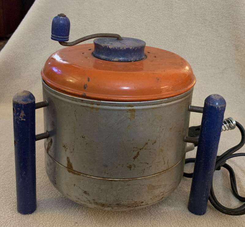 Vintage Popcorn Popper 1960 US Corp.Electric Popper with Cord