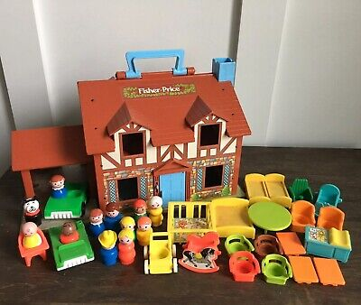Vintage Fisher Price Play Family House With Extras Carry And Play #952 Tudor