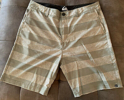 Quiksilver Men's Amphibian Hybrid Shorts Size 36   Board Swim Pre-owned