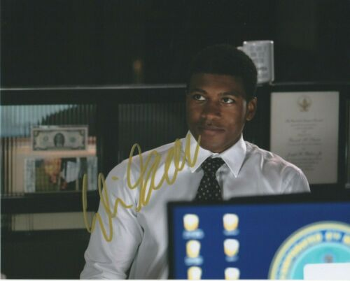 Eli Goree Suits Pearson Autographed Signed 8x10 Photo COA 2019-4