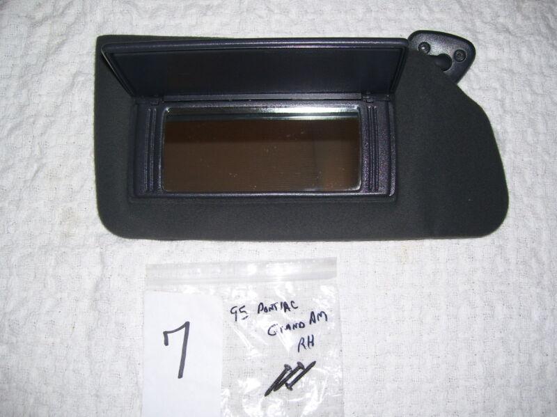 93 94 95 96 97 98 Pontiac GRAND AM SUNVISOR Sunshade BLACK W/ Mirror RH Nice !!!