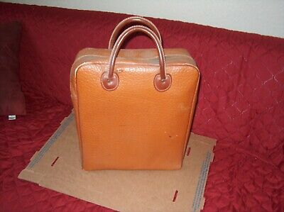 Picnic satchel with thermoses