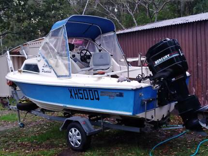 16.5 Haines Hunter half cabin, fishing,skiing,tubing, with 115hp Clontarf Redcliffe Area Preview